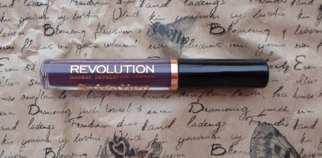makeup revolution velvet black heart salvation lip lacquer